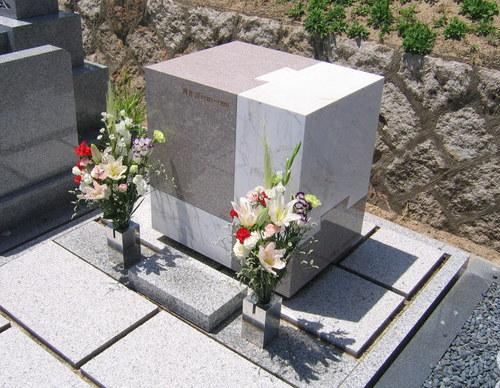 河井家デザイン墓石2.jpgのサムネール画像