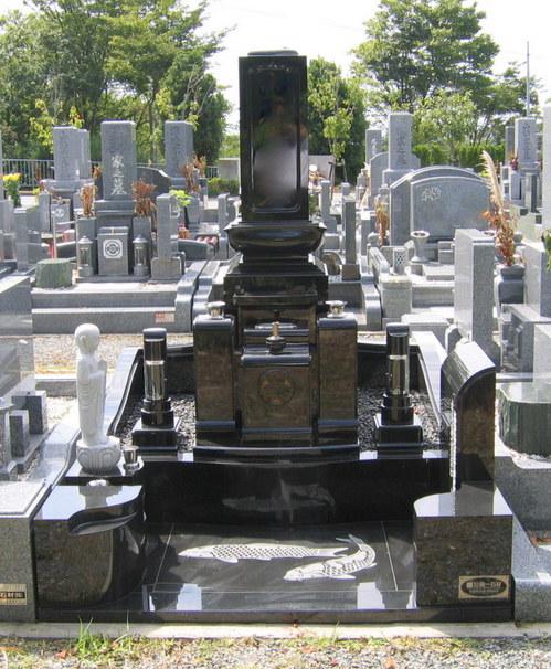 黒御影石・和型デザイン墓石1.jpgのサムネール画像